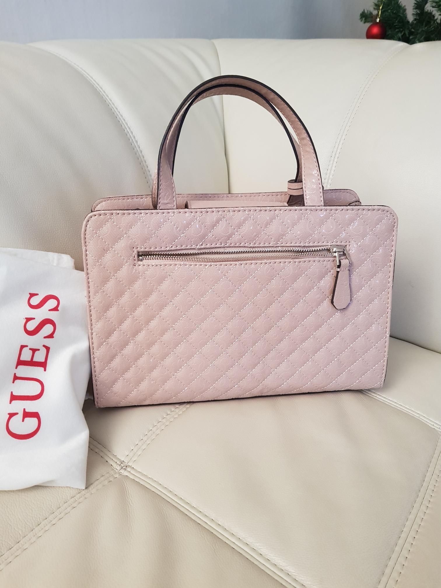 Guessveske. Lyse rosa. NY.   FINN.no