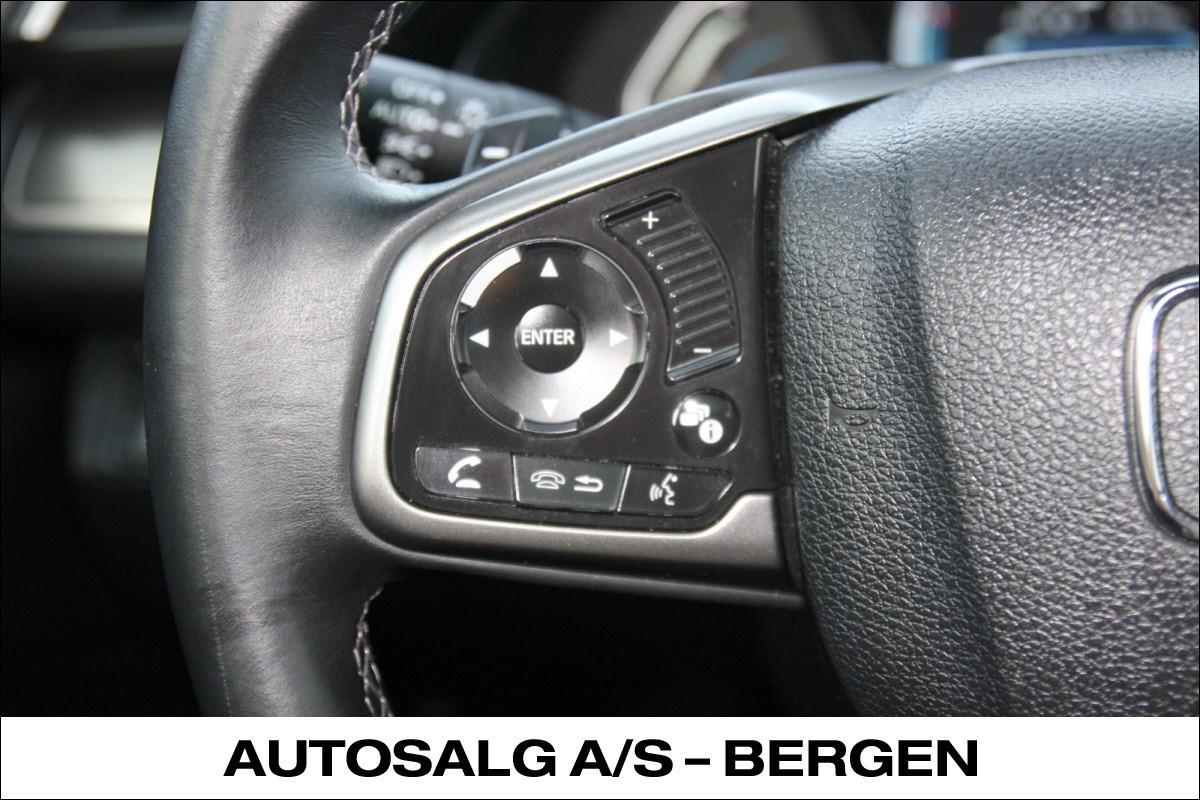 Lydkontroll på rattet. Bluetooth HFT (Handsfree-telefon)