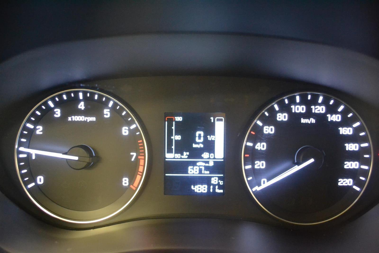 Hyundai i20 Slide 10