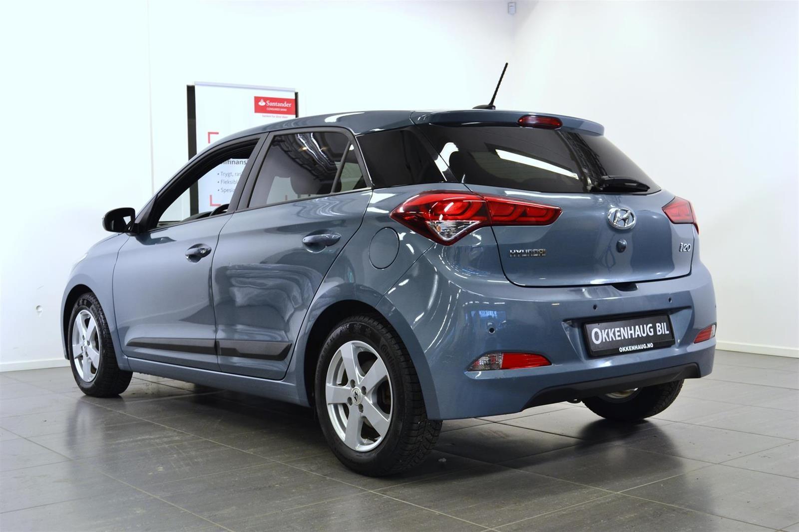 Hyundai i20 Slide 3