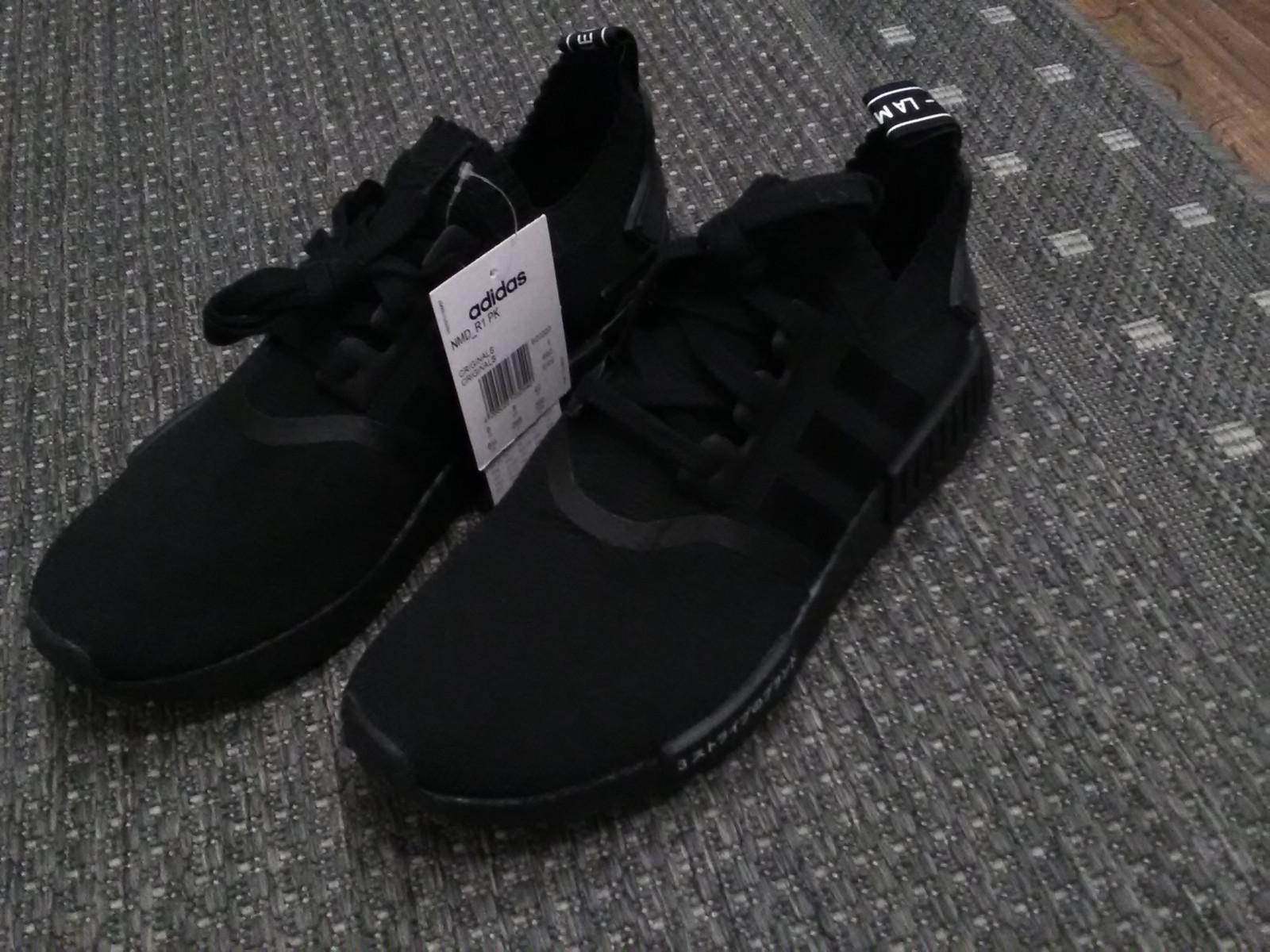 adidas NMD R1 Japan Triple Black US8,5 | FINN.no