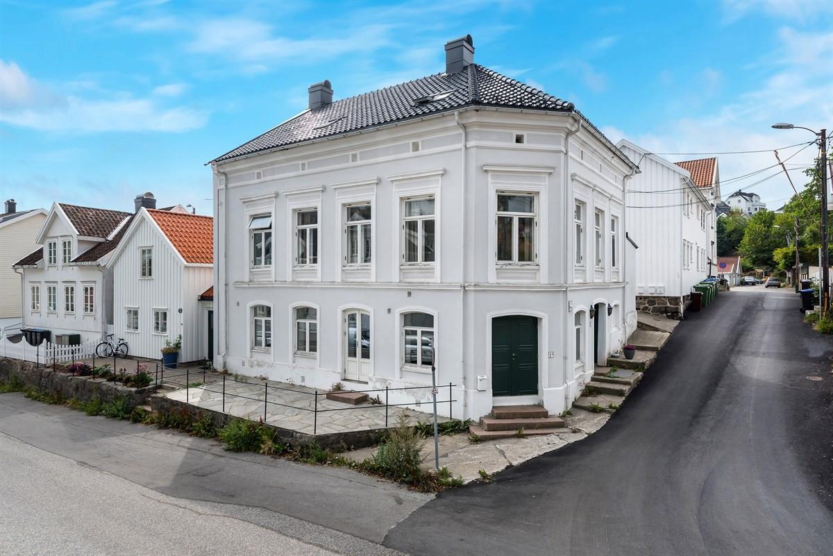 Leilighet - arendal - 1 200 000,- - Meglerhuset & Partners