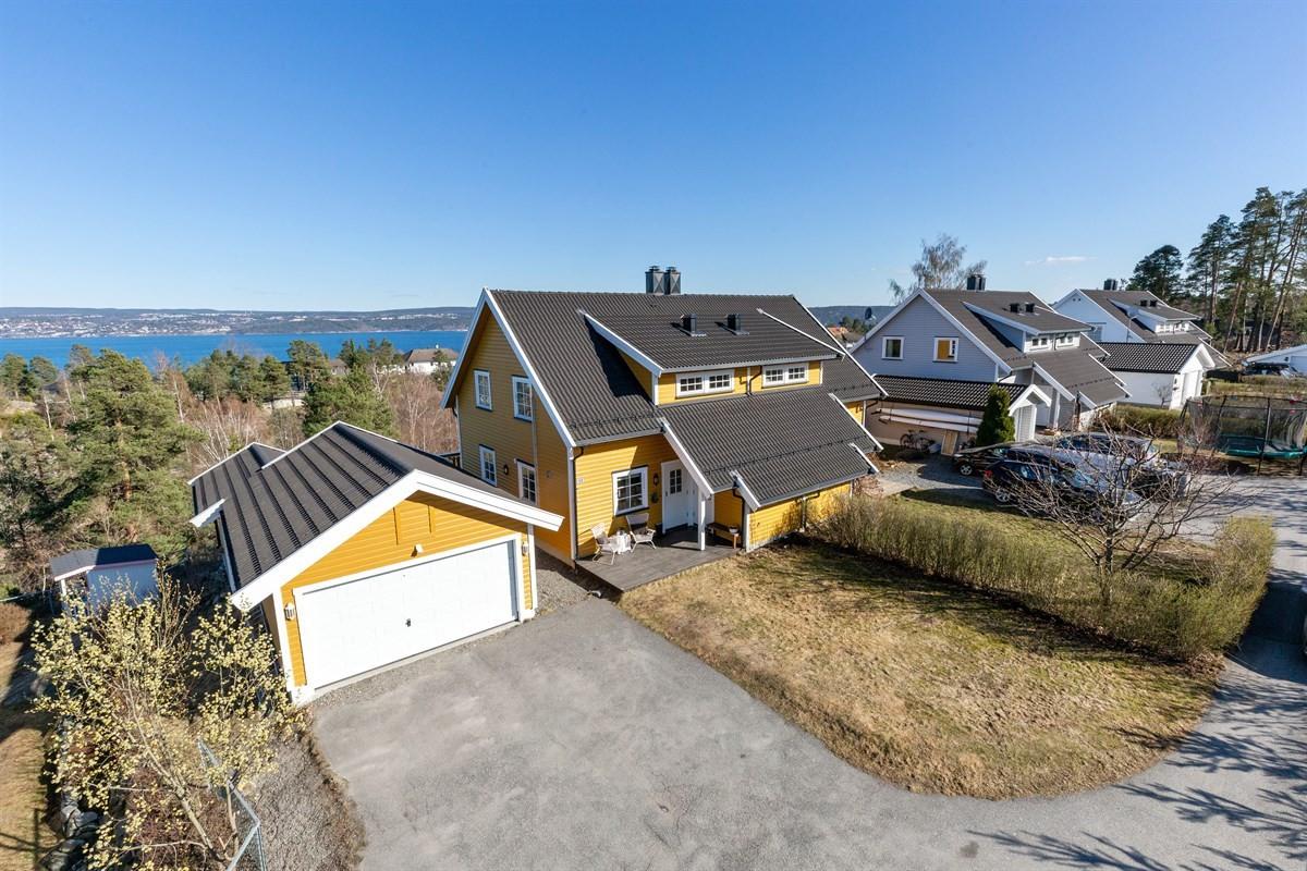 Tomannsbolig - Hellvik / Solåsen - nesodden - 5 300 000,- - Sydvendt & Partners