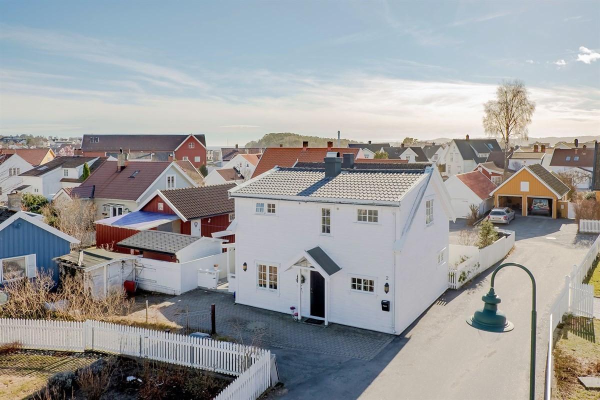 Enebolig - Østre Halsen - larvik - 2 950 000,- - Leinæs & Partners