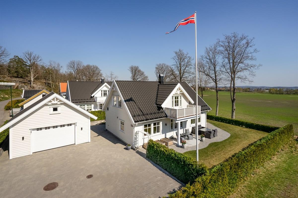 Enebolig - larvik - 4 350 000,- - Leinæs & Partners