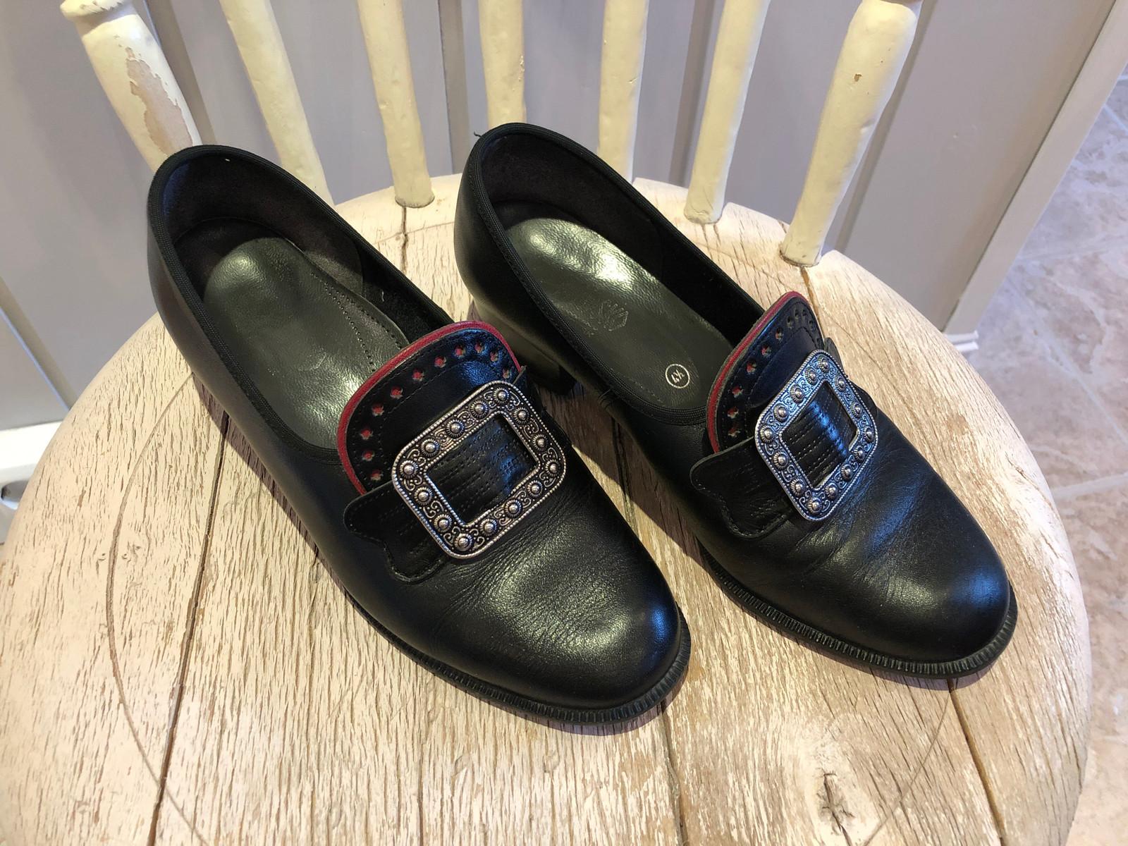 Pent brukt Borgund sko til salgs | FINN.no