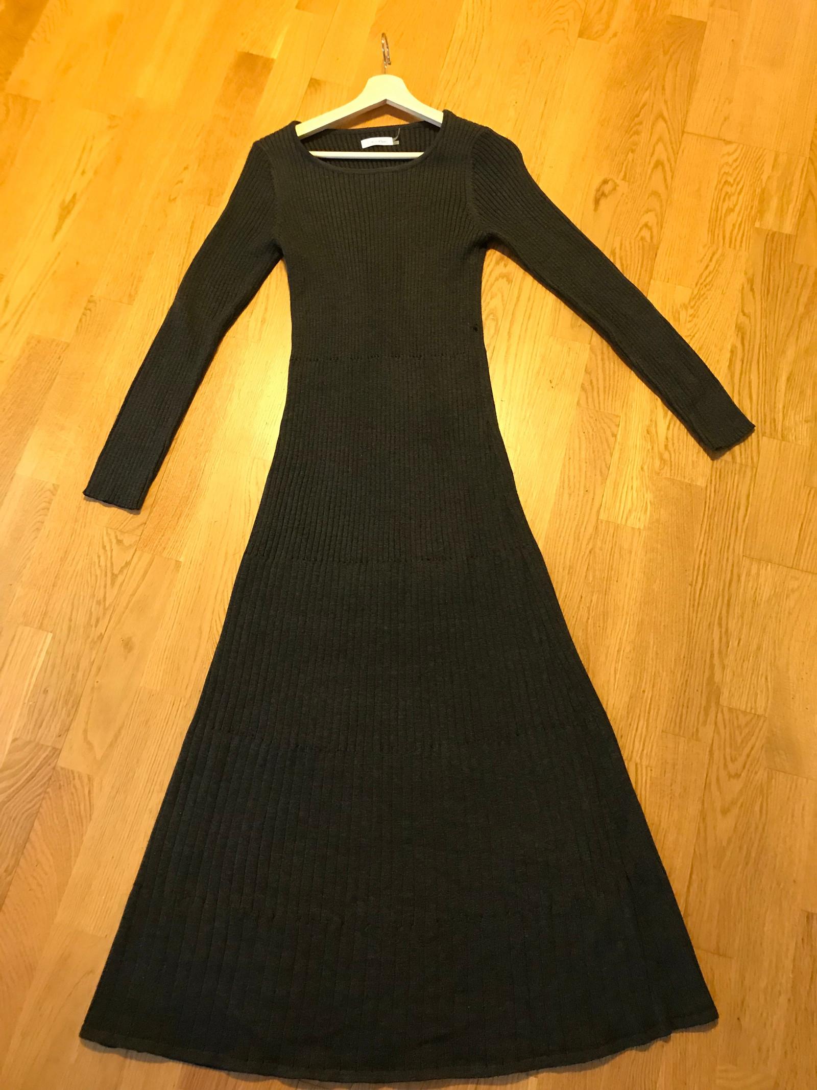 383e409a Lang kjole høst / vinter (Calvin Klein) | FINN.no