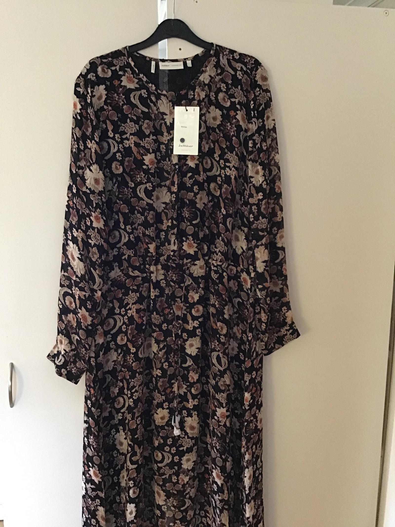 de597193b42f InWear kjole - Kr 900