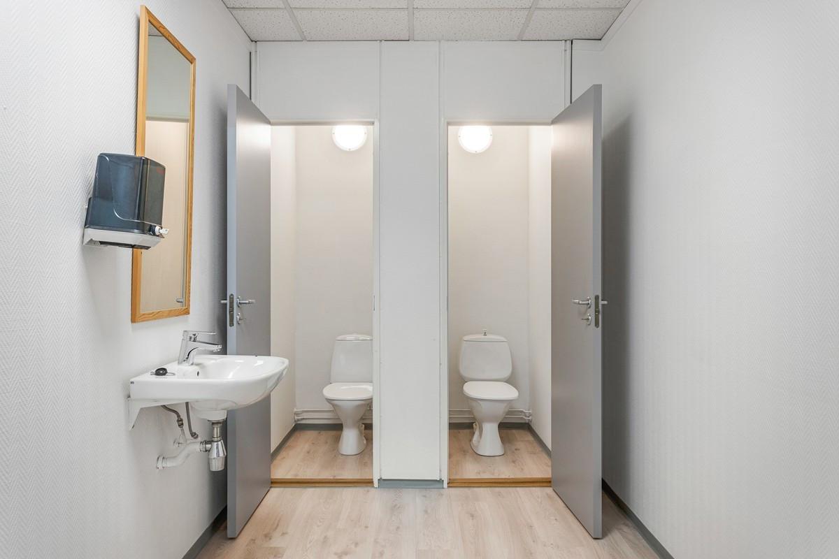 Bregneveien 4 / Totalt fire toalett, fordelt over to rom