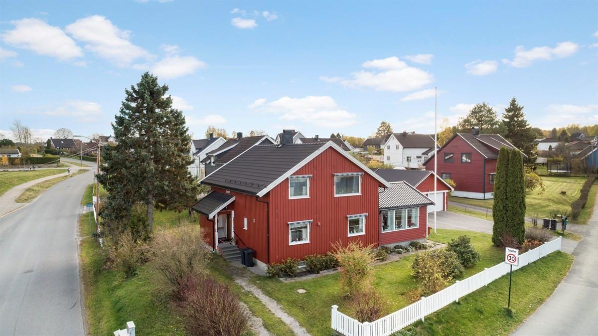 Tomannsbolig - borgenhaugen - 3 100 000,- - Grimsøen & Partners