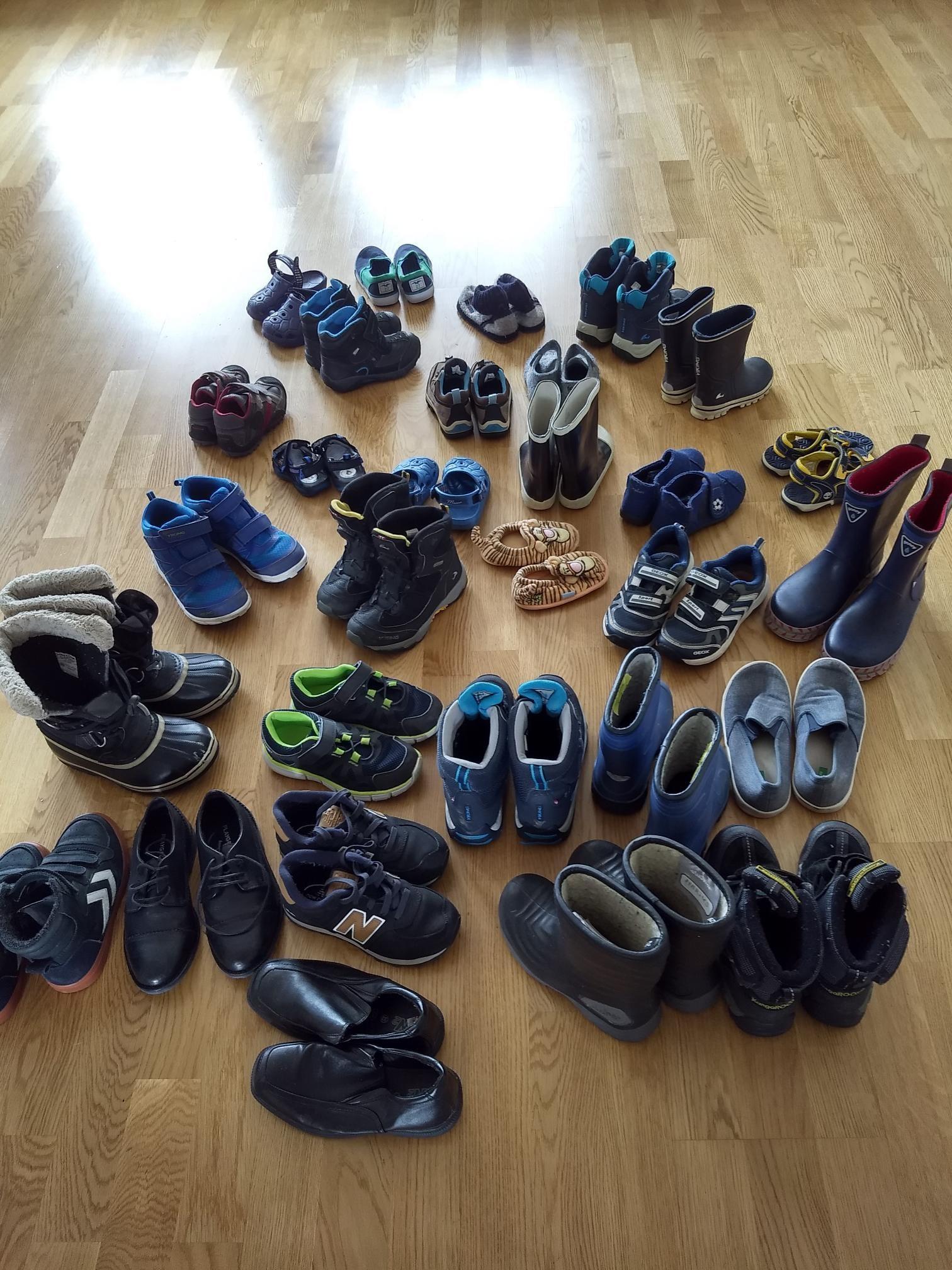 30 par barnesko | FINN.no
