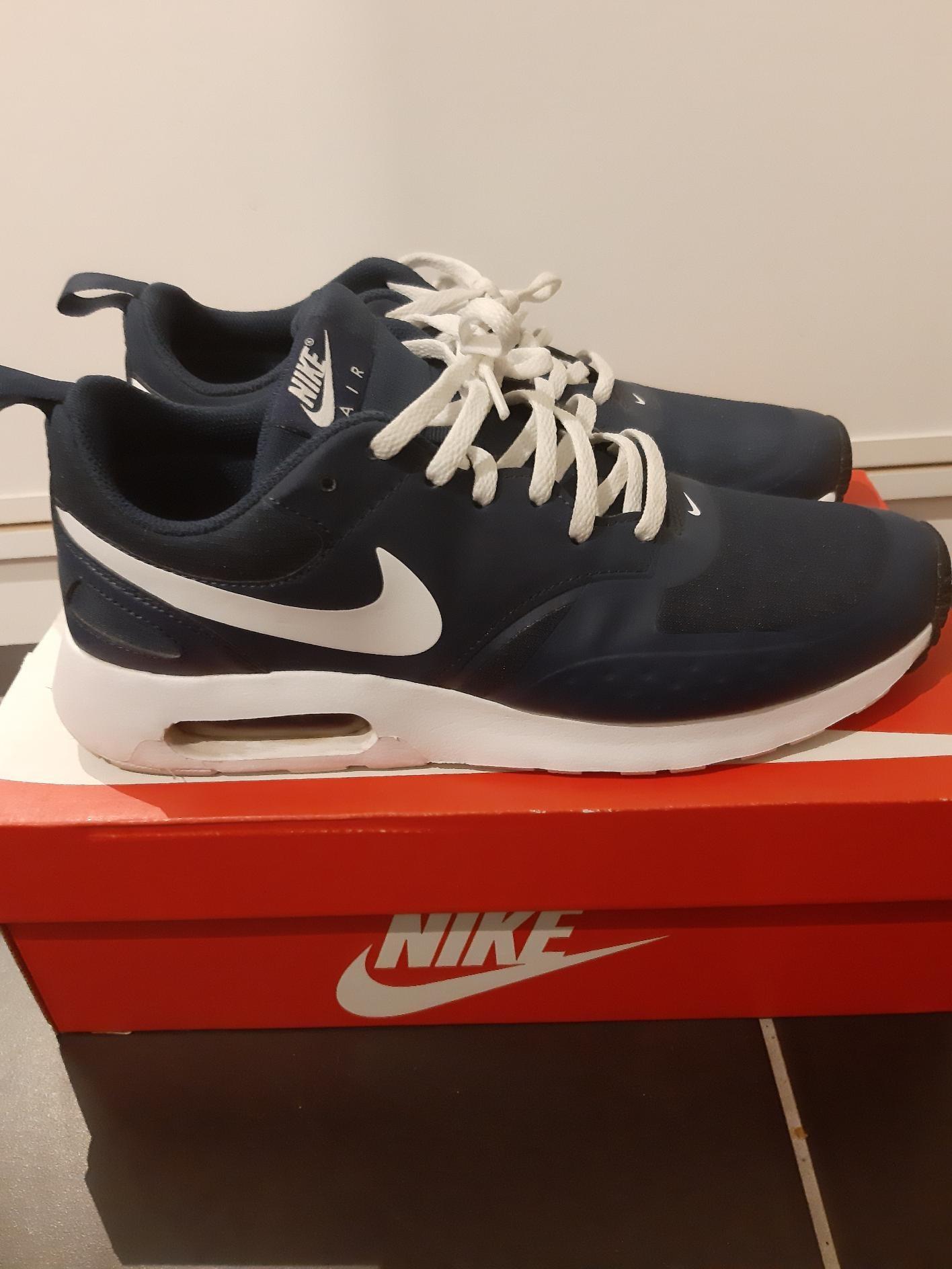 Fine mørkeblå Nike Air Max Vision | FINN.no