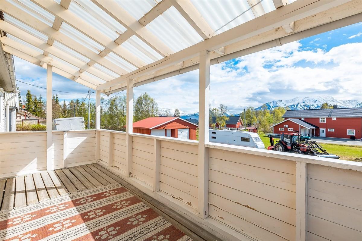 Fine sol- og lysforhold på veranda