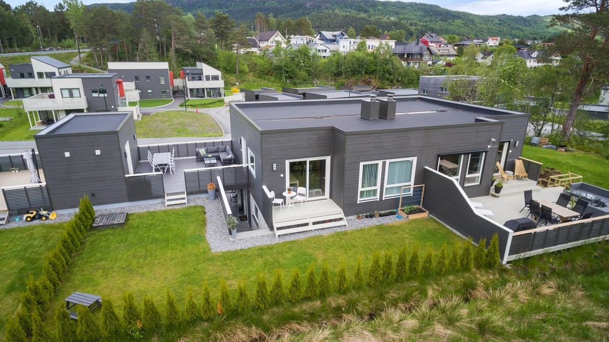 Tomannsbolig - ålesund - 4 590 000,- - Aursnes & Partners