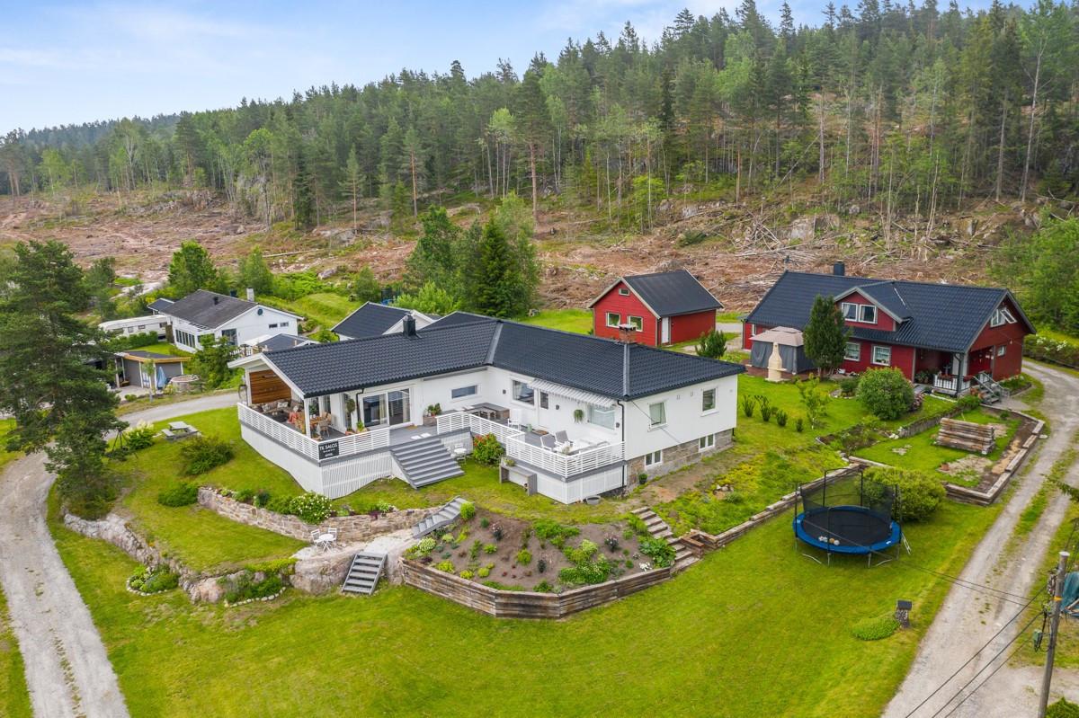 Enebolig - fjellstrand - 6 450 000,- - Sydvendt & Partners