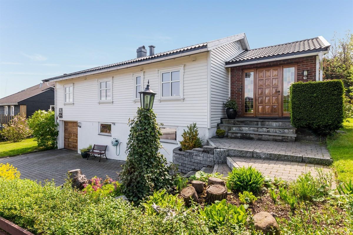 Enebolig - stavern - 4 490 000,- - Leinæs & Partners