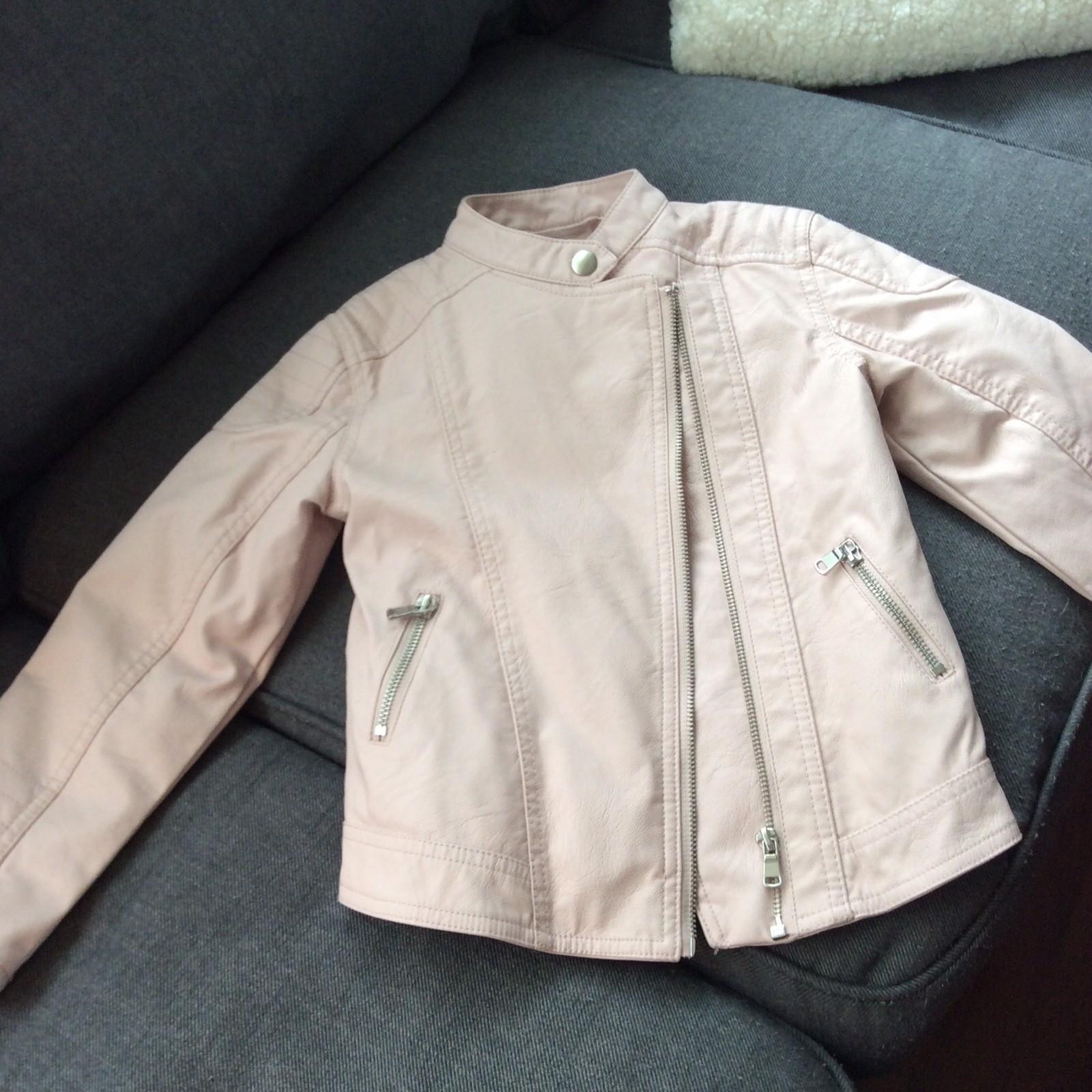 632f8776 Ytterjakker til jente 5- 8 år. Zara dunkåpe, Bergans jakker ...