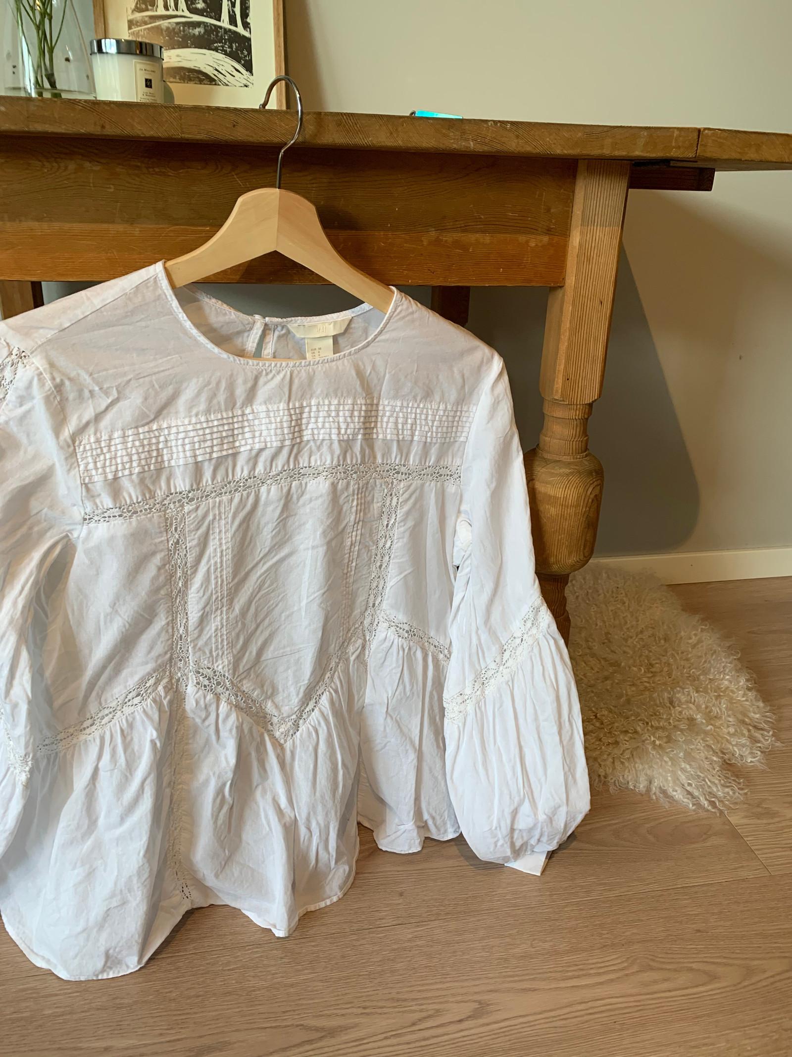 c4469c75 Lekker hvit blondebluse, skjorte | FINN.no