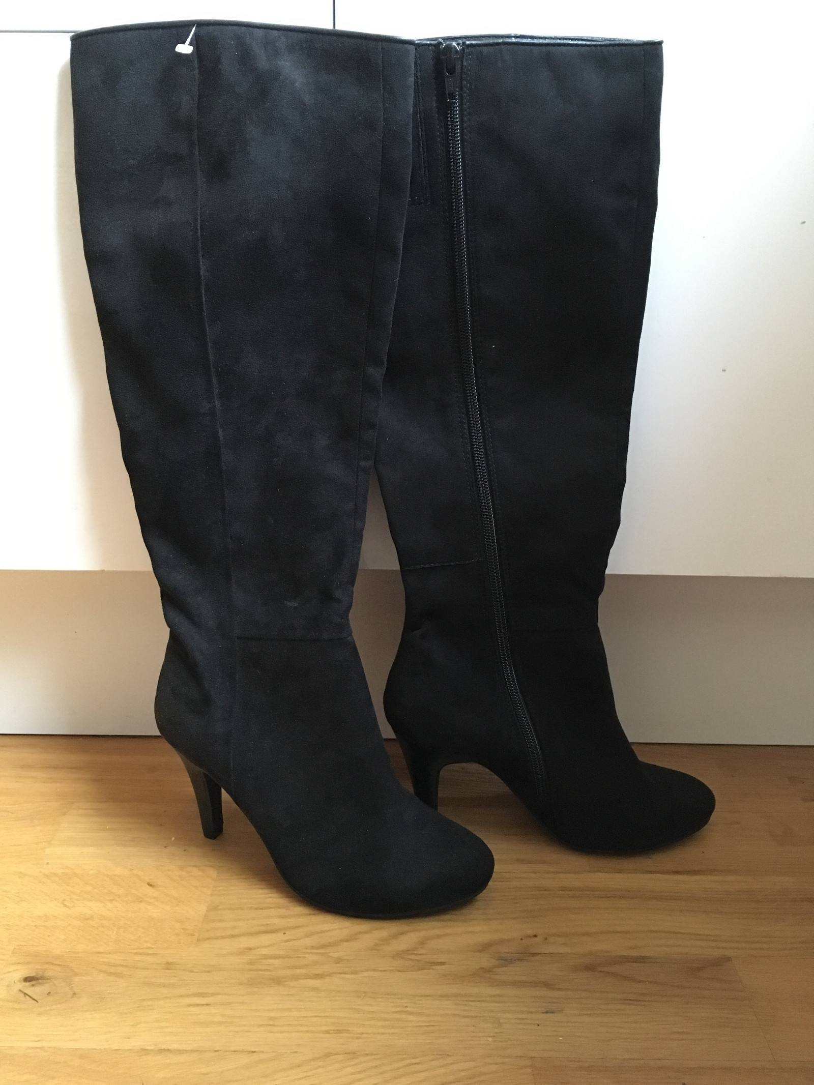 Helt nye Svarte semskede støvletter fra Style Inc kr: 249