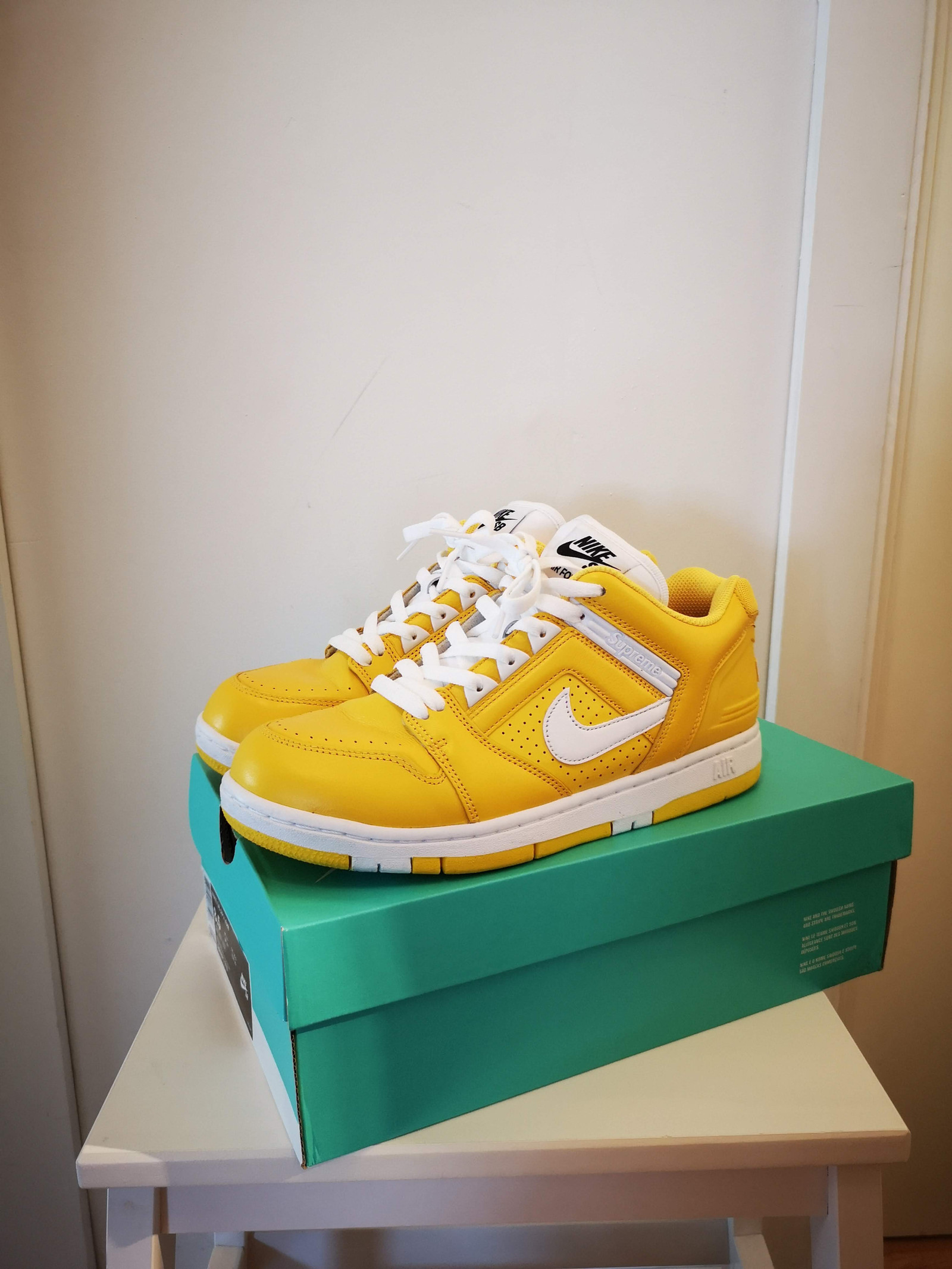 Nike SB Air Force 2 Low Supreme Yellow EU42   FINN.no