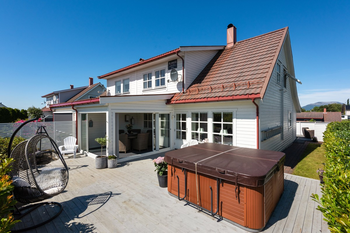 Tomannsbolig - ålesund - 3 250 000,- - Aursnes & Partners