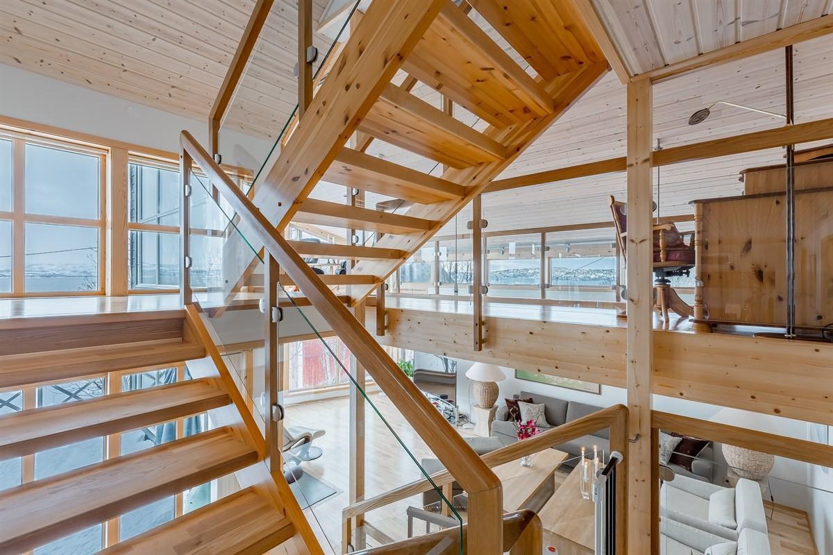 Trappen står sentralt i hjemmet