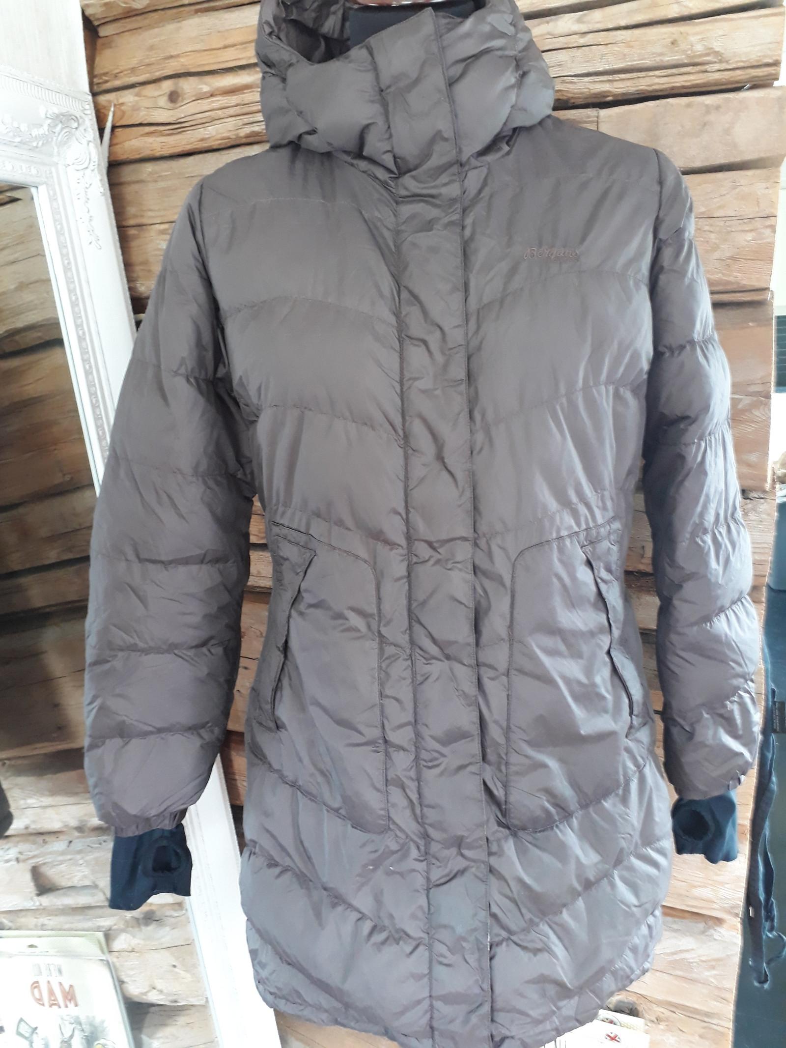 685fbb0d Bergans jakke ; dunkåpe / parkas str L | FINN.no