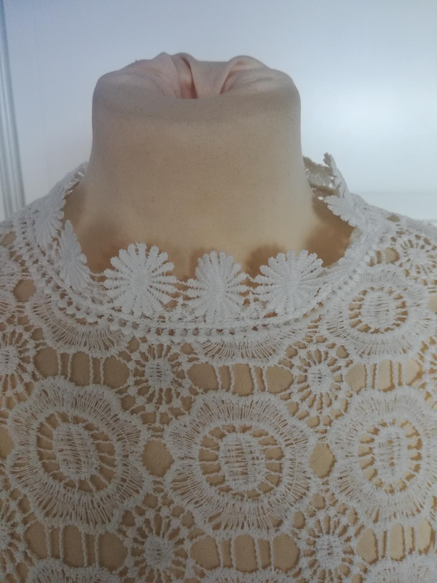 f5725789 Lekker hvit blondebluse. Str L. Ny, ubrukt. | FINN.no