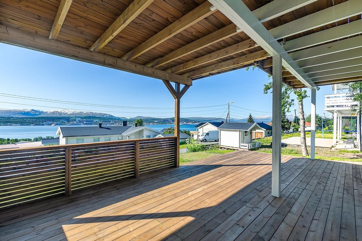 Platting/terrasse utenfor utleie