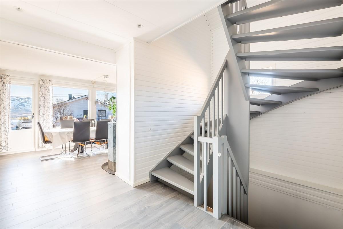 Trapp mellom etasjene