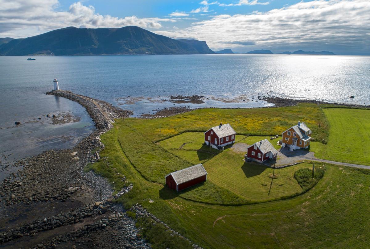 Høgsteinneset - en unik og sjelden perle lengst syd på Godøya like utenfor Ålesund