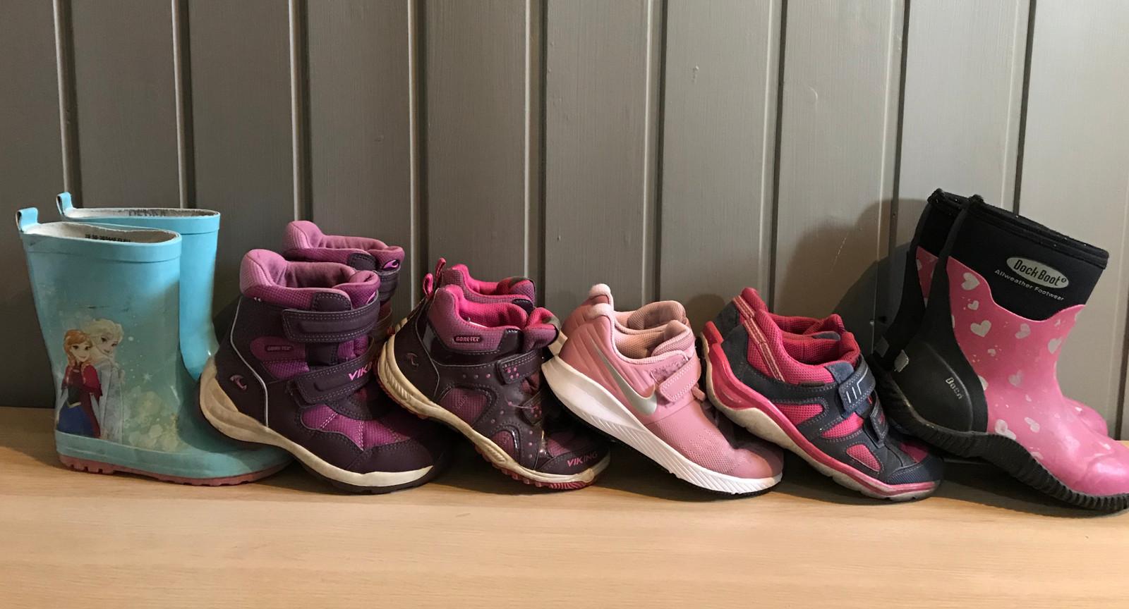 Div. sko og støvler selges! | FINN.no