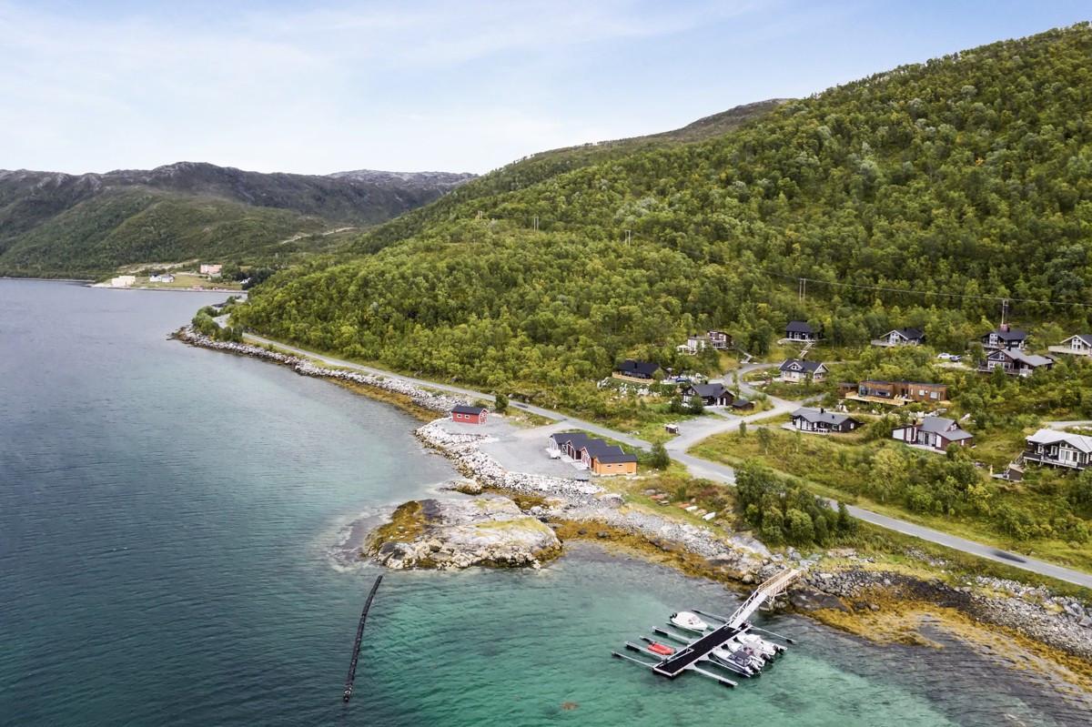 Kort avstand til flotte tur- og rekreasjonsområder i fjell og mark. Ca. 30 minutter til Tromsø