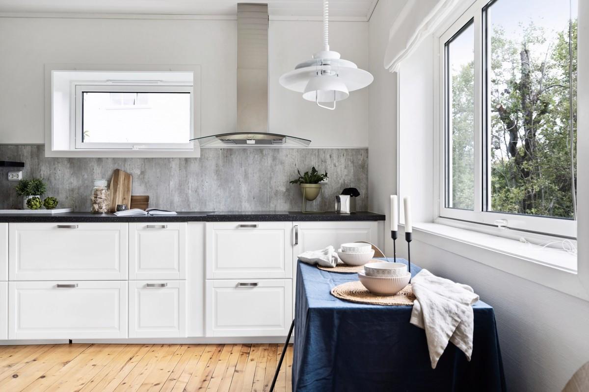 Store vindusflater på kjøkken