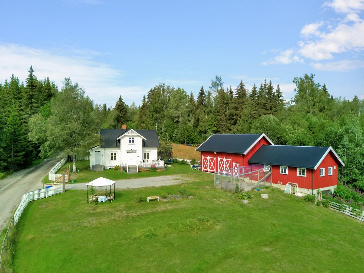 Landbrukseiendom - raufoss - 4 490 000,- - Partners Eiendomsmegling