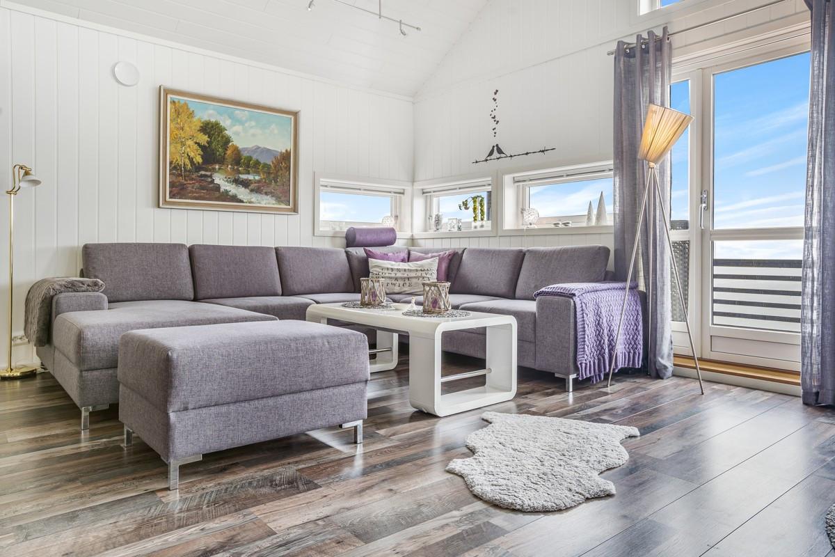 Dersom det er ønskelig kan boligen selges fullt møblert slik at nye kjøpere kan benytte hytte fra dag 1!