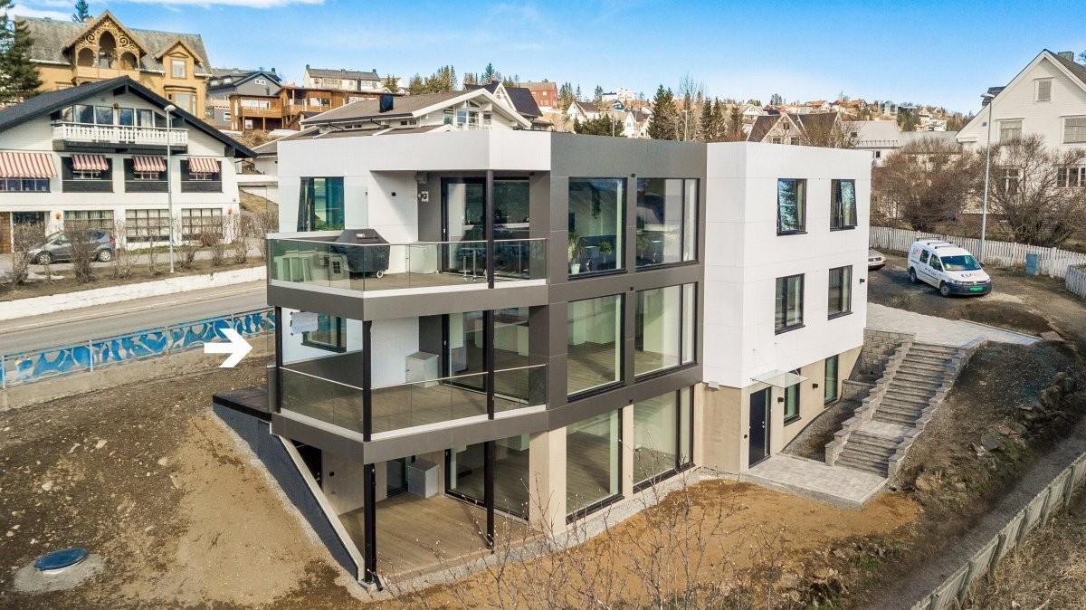 Moderne leilighet i 1. etasje, nydelig utsikt, sentralt og nyoppført!