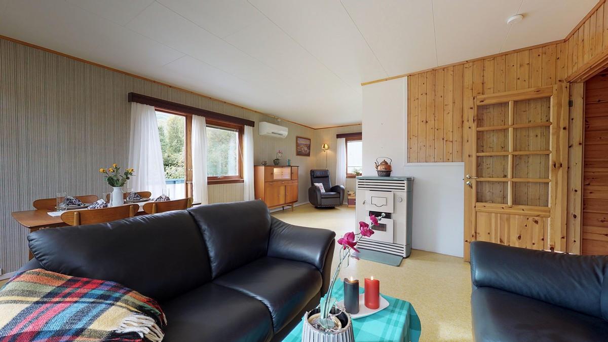 Stue er delt inn i flere soner som gir rom for flere sitteområder