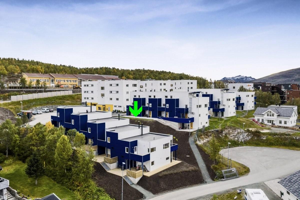 Moderne og arkitekttegnet rekkehus med flott beliggenhet i populære Hamna