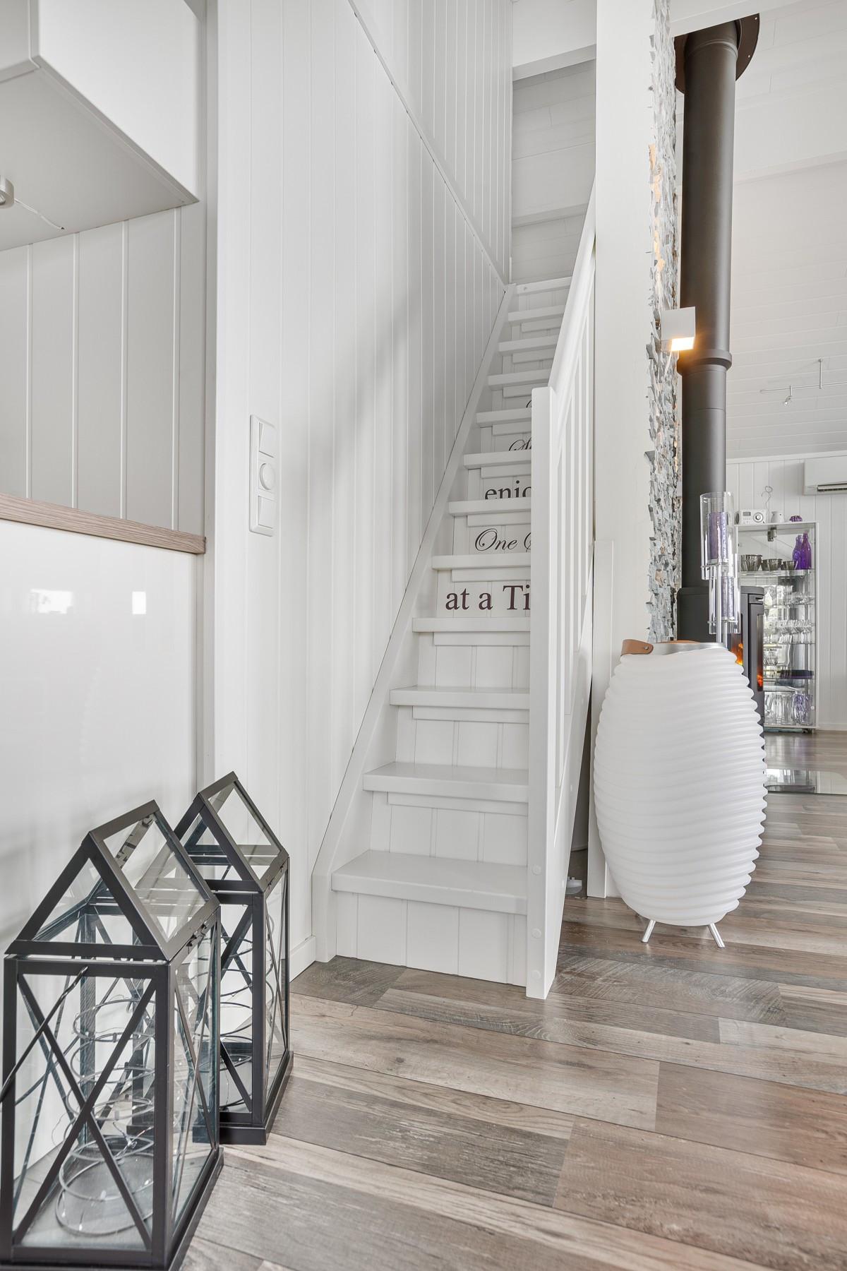 Koselig trapp opp til hemsen