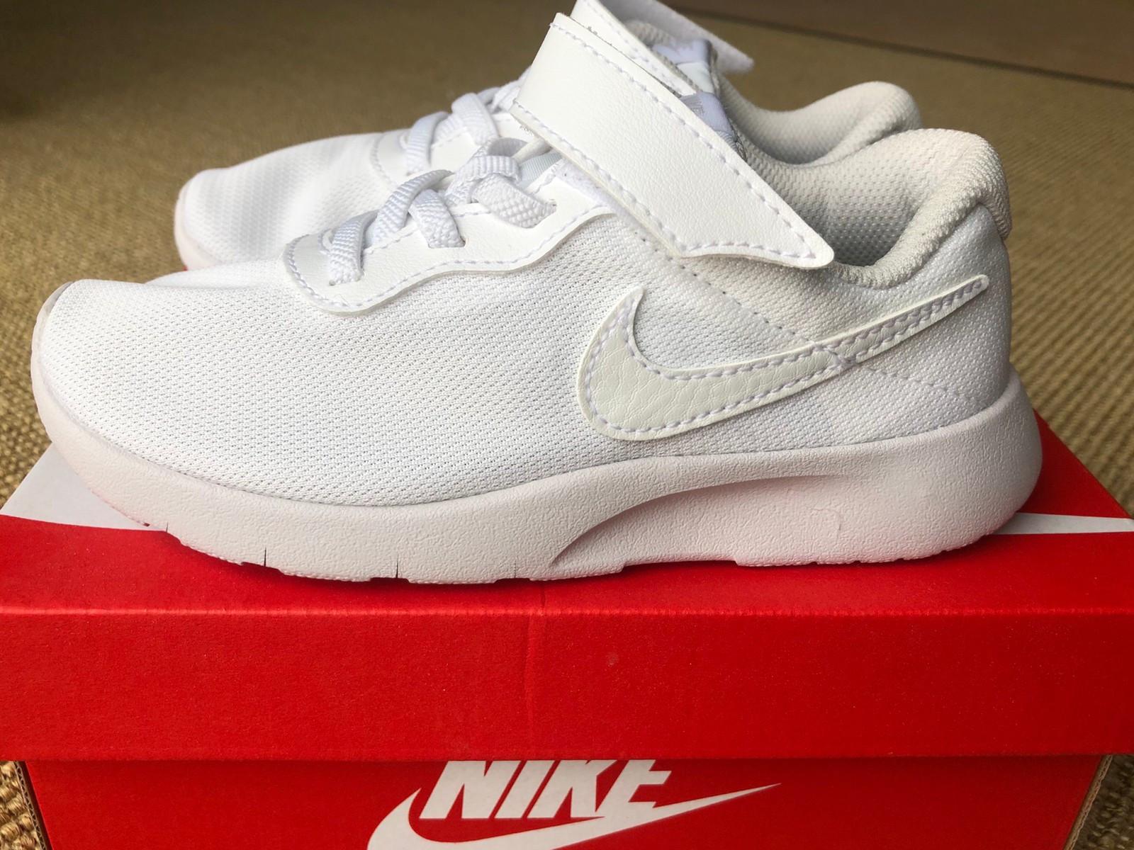 Hvite NIKE sneakers str 29,5 | FINN.no