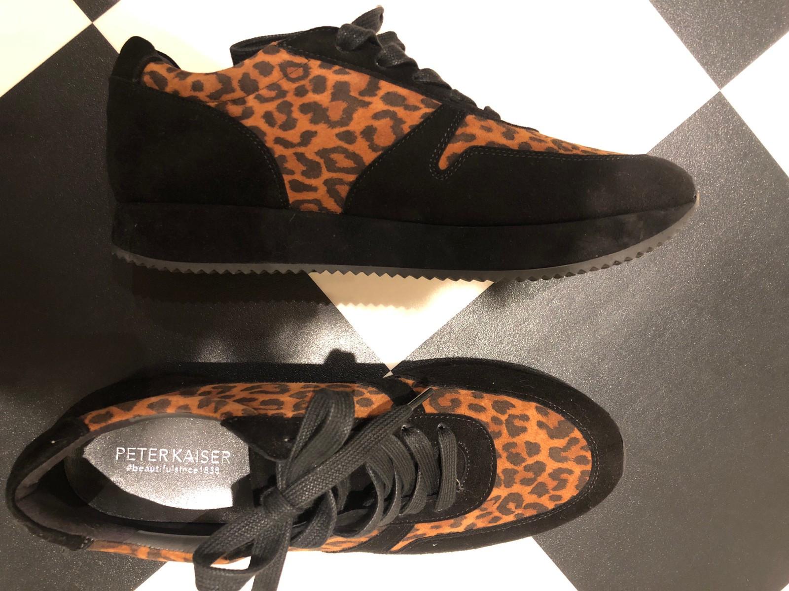 Damesko i leopard og sort semsket skinn | FINN.no