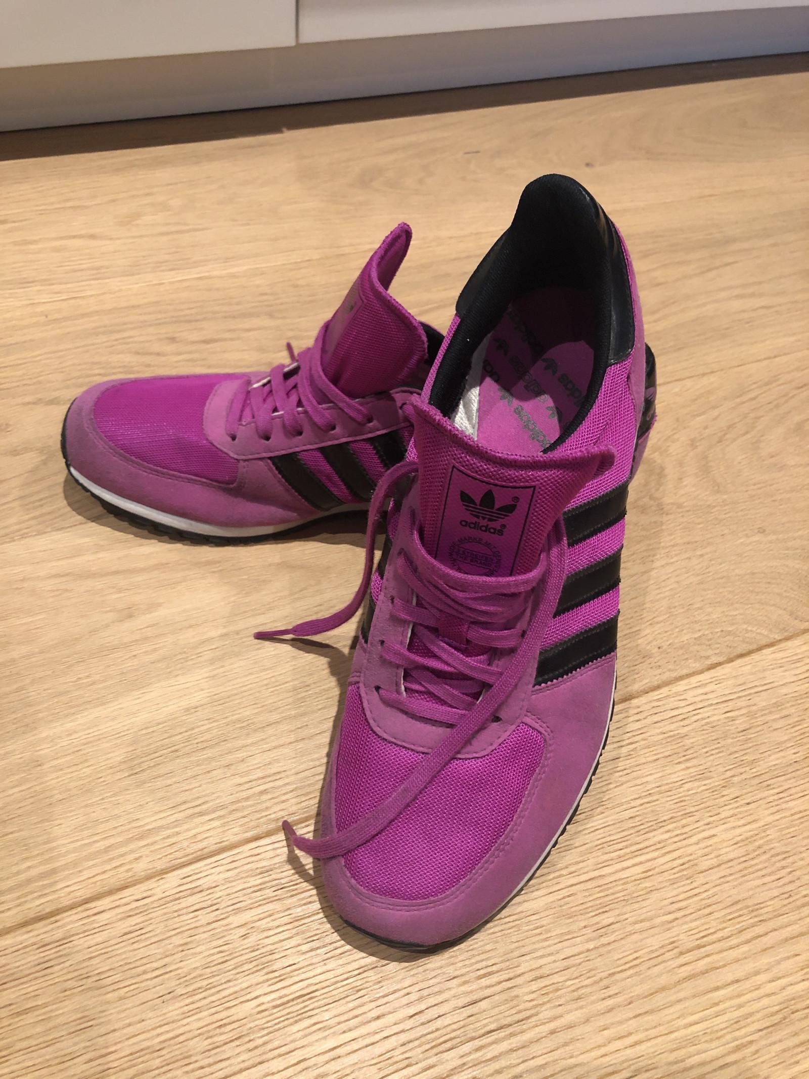 Adidas sko str. 4142 | FINN.no