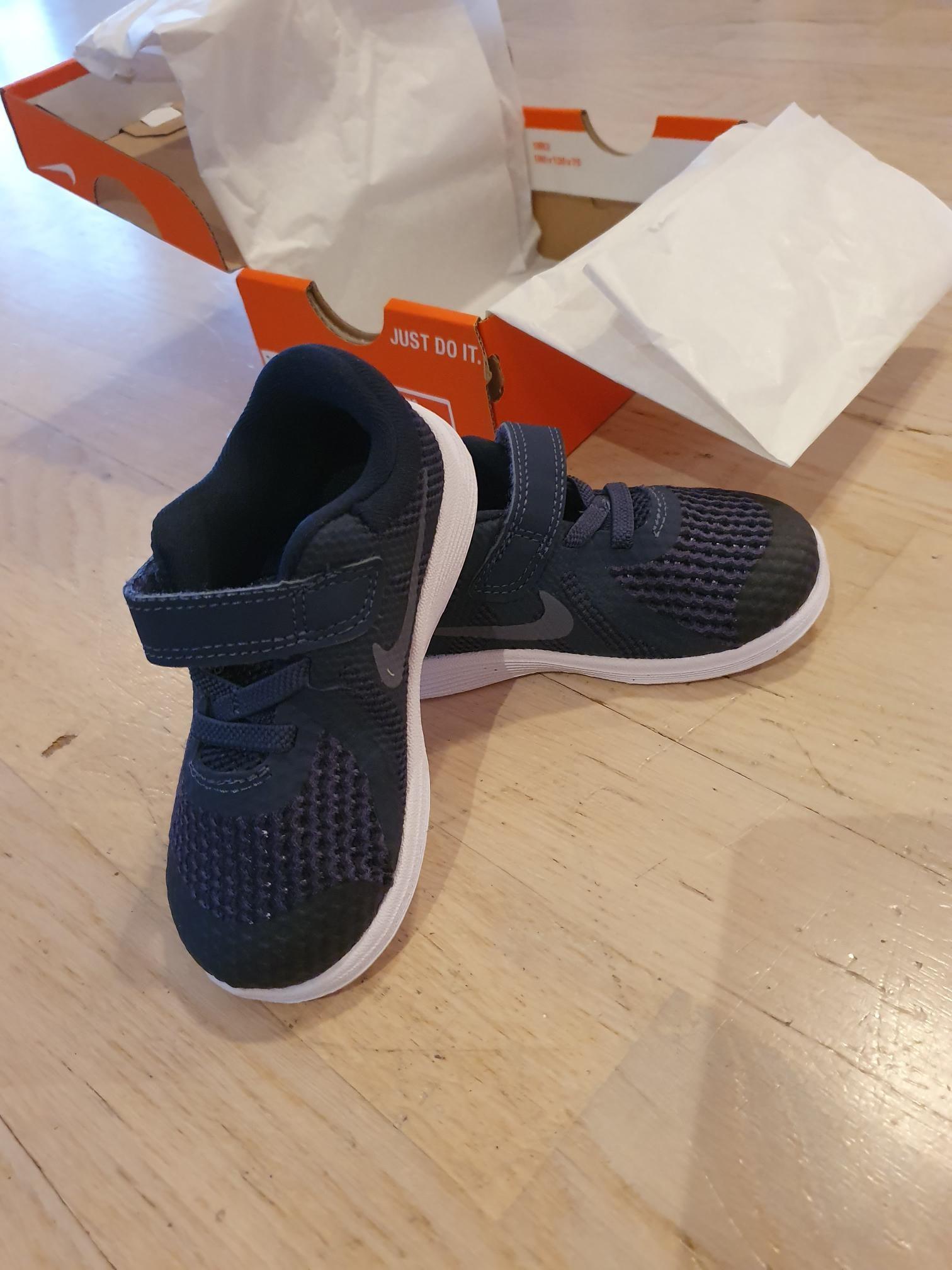Helt nye Nike sko selges. | FINN.no