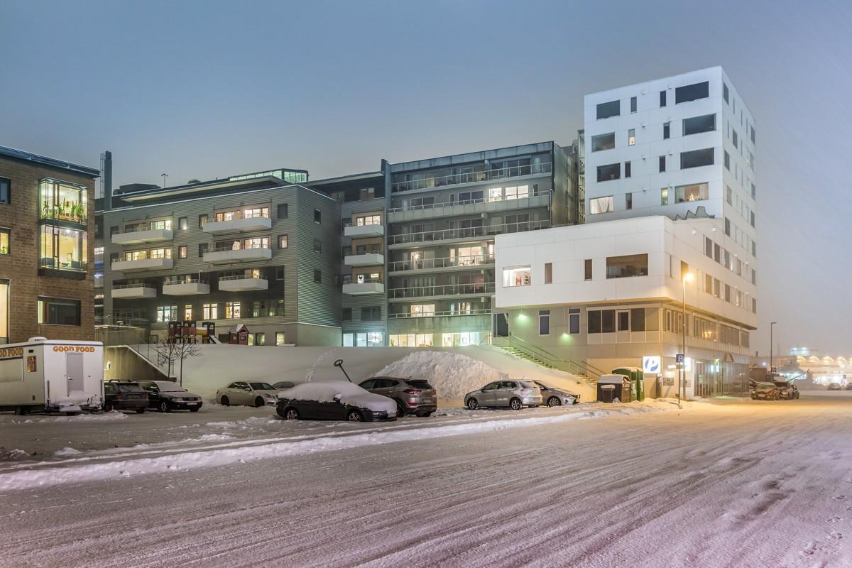 Fasade mot sør - leiligheten ligger i veldrevet sameie med kort vei til alt av sentrums fasiliteter