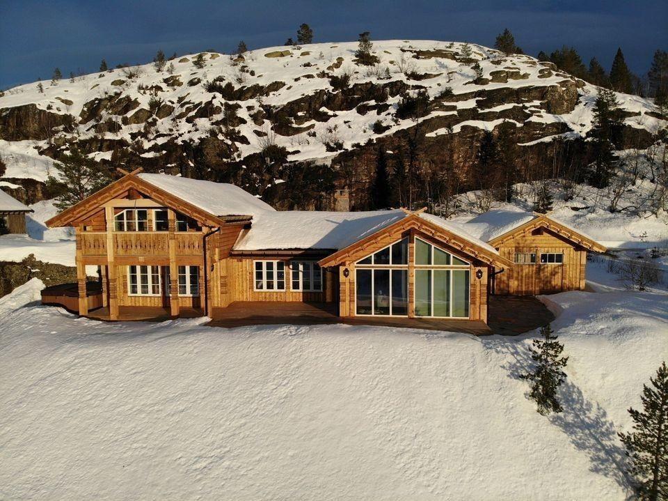 Prosjektert Kløvfjell og kundetilpasset Buen Kløvfjell med garasje