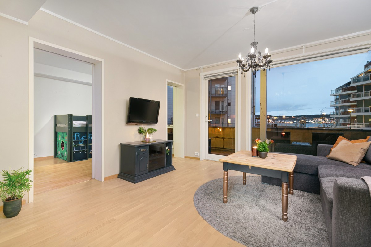 Arealeffektiv 3-roms leilighet med utsikt mot Tromsøysundet