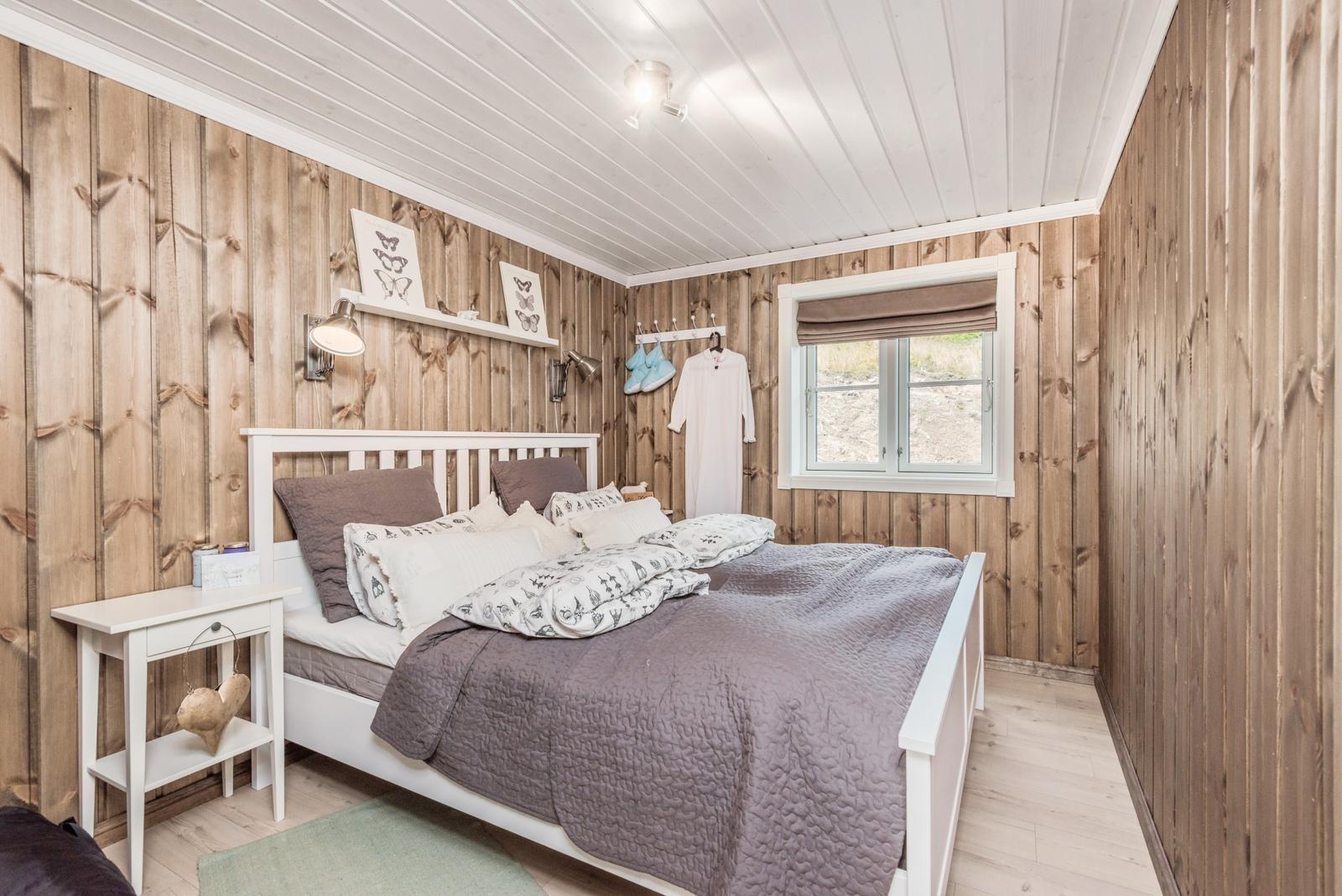 Dette er vår fantastiske Tradisjons hytte modell, TIUR. Dette er en spesialtilpasset hytte, der våre arkitekter har tegnet en perfekt og stor hytte for hele den store familien - med barn & barnebarn!