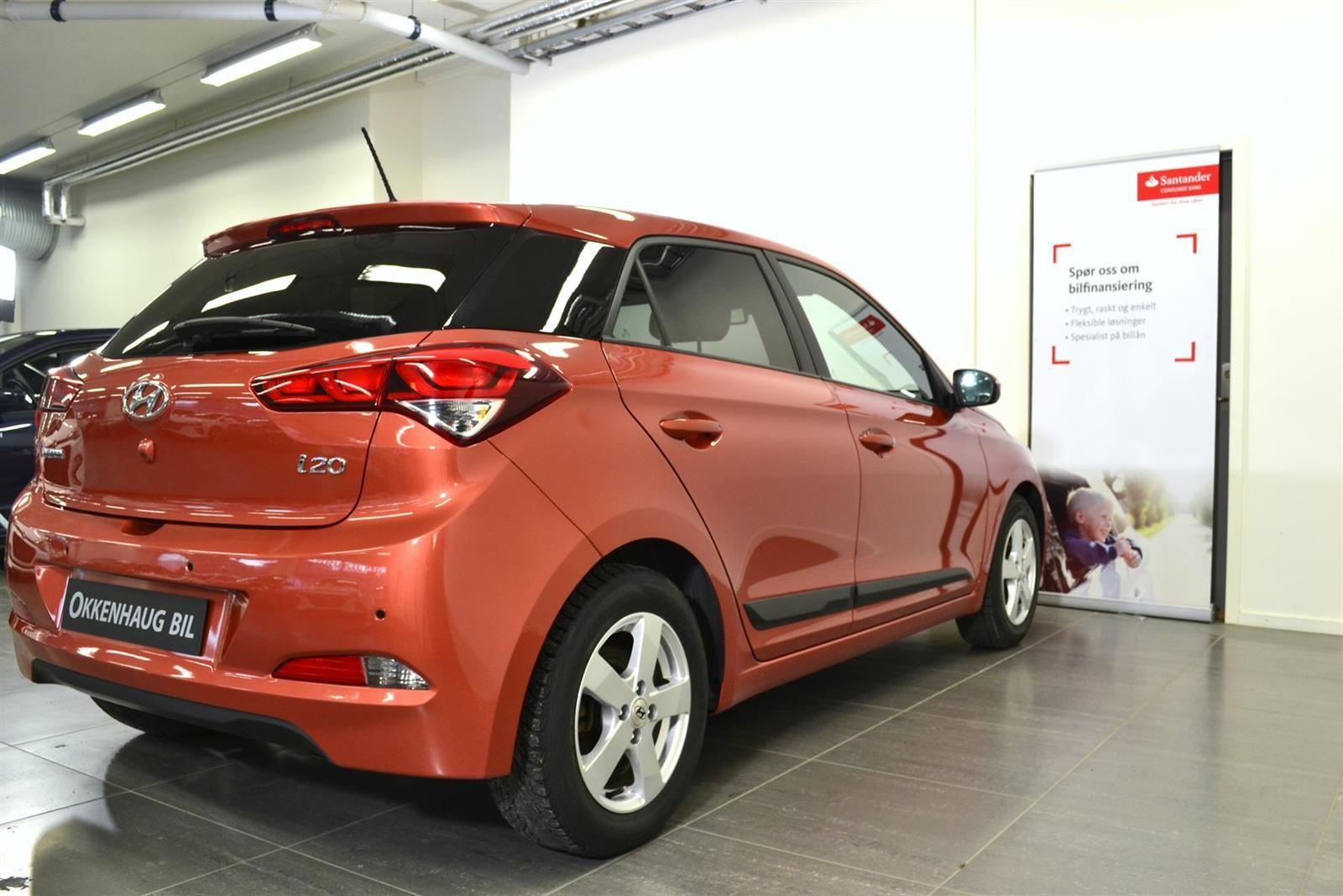 Hyundai i20 Slide 4