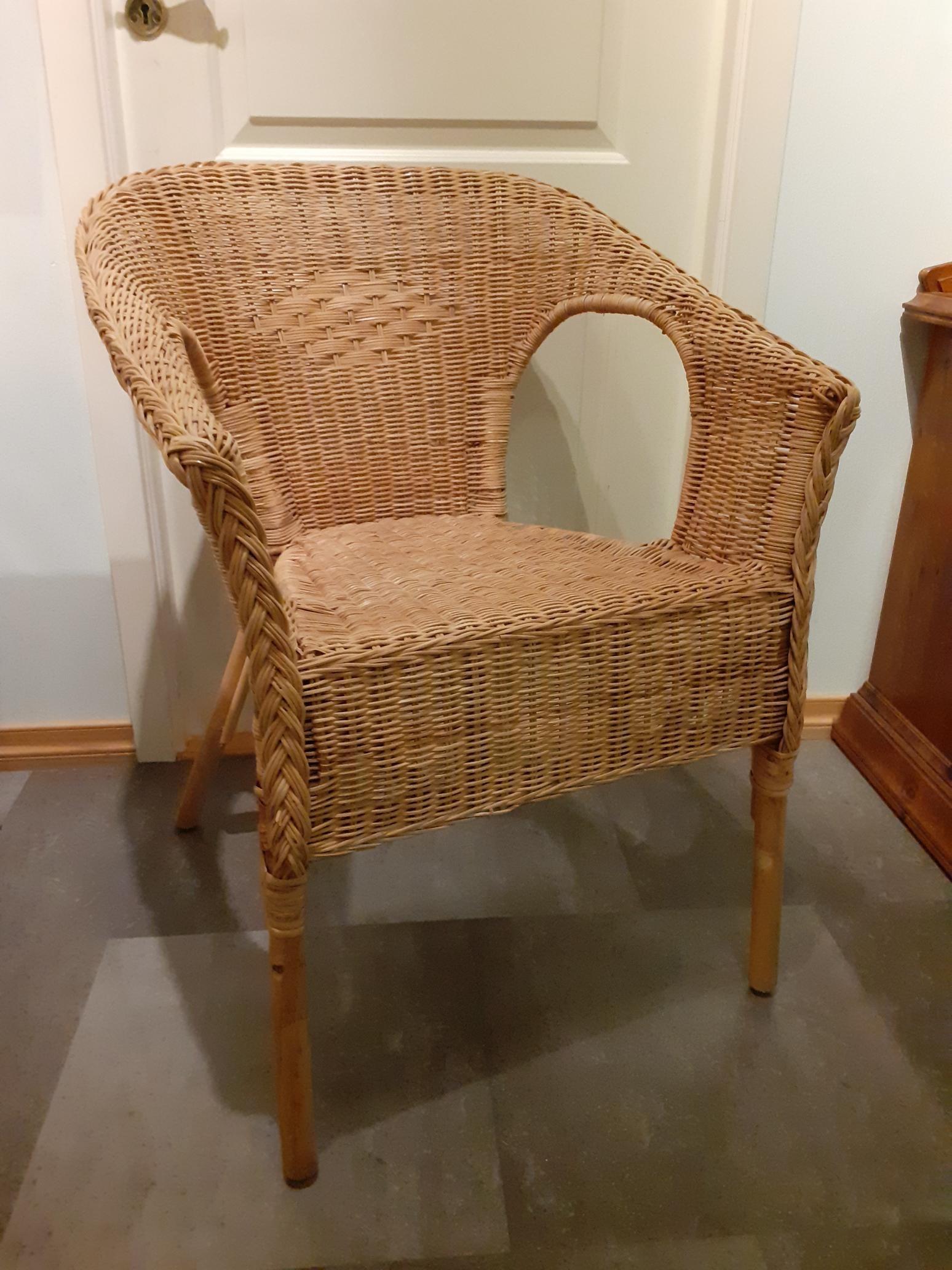 Fin Ikea Agen kurvstol i bambus mpute | FINN.no